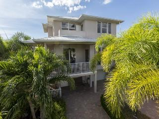 Upscale, Brand New Island Retreat surrounded by lush tropical gardens with Private Heated Pool - Code: Island Pearl - Fort Myers Beach vacation rentals