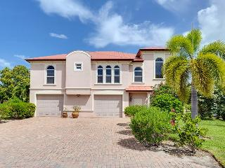 Freshly Decorated and New King Master at Venetian Grande Canal Home - Code: Venetian Grande - Fort Myers Beach vacation rentals