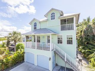 Key Lime Villa offers Gulf Views from this stunning new home with Private Pool - Code: Key Lime Villa - Fort Myers Beach vacation rentals