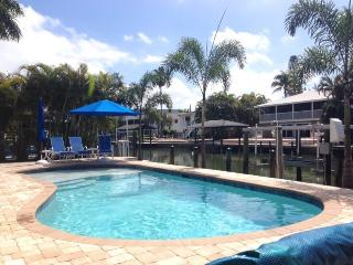 Carita Cottage offers Peaceful relaxation with new pool and designer decor. - Code: Carita Cottage - Fort Myers Beach vacation rentals