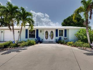 Delightful 2 Bedroom Vacation Home New to the Rental Market - Code: Gulf Coast Cottage - Fort Myers Beach vacation rentals