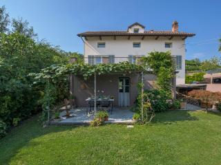 Zilio Lilla in the Unesco Monferrato Hills - Canelli vacation rentals