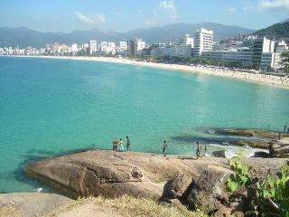 Ipanema Posto 10 Lovely apartment - Rio de Janeiro vacation rentals