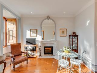 Charming Principe Real Apartment | RentExperience - Lisboa vacation rentals
