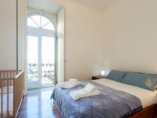 São Carlos Apartment | RentExperience - Lisboa vacation rentals