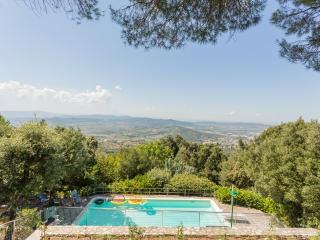 Casa Trinità - Splendid Panoramic Villa in Umbria - Perugia vacation rentals