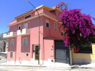 Casa Vacanze Primo Piano Valderice - Valderice vacation rentals