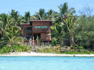 Kaireva Beach House and Wedding Venue - Ngatangiia vacation rentals