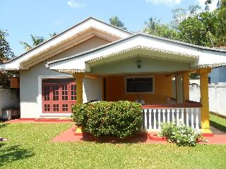 3 bedroom Villa with Internet Access in Kalutara - Kalutara vacation rentals