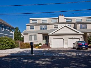 3 bedroom House with Deck in Cape May - Cape May vacation rentals