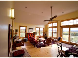 peaceful 2 bedroom retreat - Hardwick vacation rentals