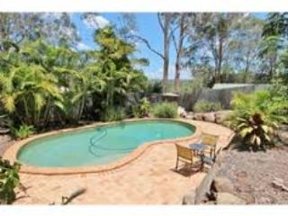Family friendly with pool and aircon! - Brisbane vacation rentals