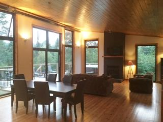 Beautiful 3 bedroom House in Morin Heights - Morin Heights vacation rentals