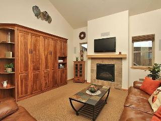 Nice House with Internet Access and Shared Outdoor Pool - Winter Park vacation rentals