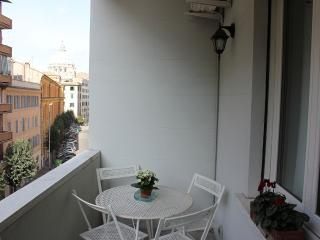 Apartment with St Peter's Dome - Rome vacation rentals