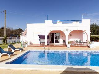 Lovely Villa with Private Pool in Albufeira - Albufeira vacation rentals