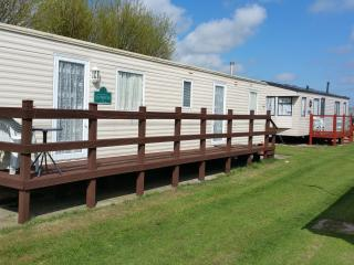 8 BERTH CARAVAN TP60 - Chapel St. Leonards vacation rentals