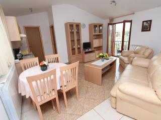 1 bedroom Apartment with Internet Access in Rovinjsko Selo - Rovinjsko Selo vacation rentals