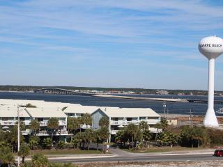 Casual comfort between the gulf and Sound - Navarre vacation rentals