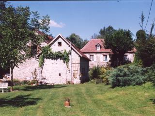 Un gîte dans une grange restaurée - La Chapelle-aux-Saints vacation rentals
