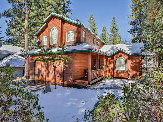Tastefully decorated mountain home-hot tub, pool table, pets, families - South Lake Tahoe vacation rentals