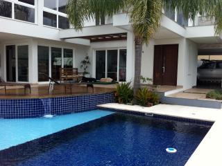 Modern and Confortable house near the sea and lake - Lagoa da Conceicao vacation rentals