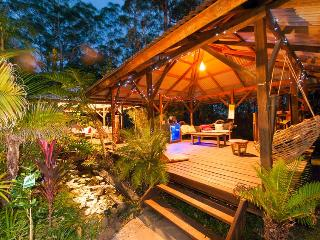 Nice B&B with Internet Access and Corporate Bookings Allowed - Eudlo vacation rentals