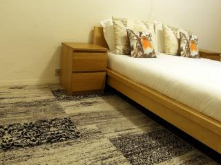 City Centre quiete one bedroom apartment - Brussels vacation rentals