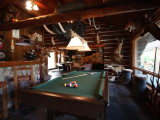 5H Ranch - Shared Pool and Game Room in Comfort Tx - Fredericksburg vacation rentals