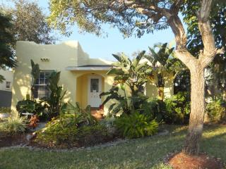 Charming House with Internet Access and A/C - Palm Beach vacation rentals