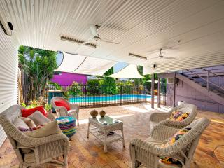 Spacious-quiet-comfortable-WIFI-Pool-4km to city. - Cairns vacation rentals