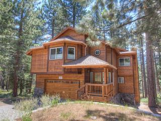 Beautifully Designed 4 Bedroom Home Sleeps 12  ~ RA688 - South Lake Tahoe vacation rentals