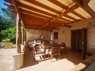 Quaint one bedroom cottage 200 meters from the sea - Diani vacation rentals