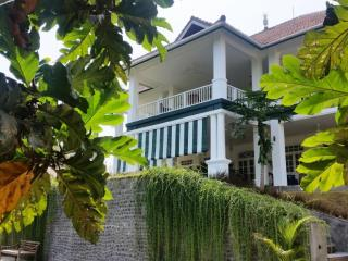 """MAISON SIMBA"" COLONIAL STYLE HOUSE - Jalan Raya Tanah Lot vacation rentals"