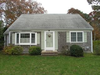 Perfect 4 bedroom West Dennis House with Internet Access - West Dennis vacation rentals