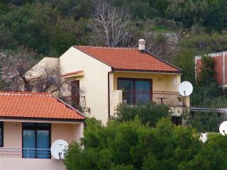 Cozy 2 bedroom Condo in Igrane - Igrane vacation rentals
