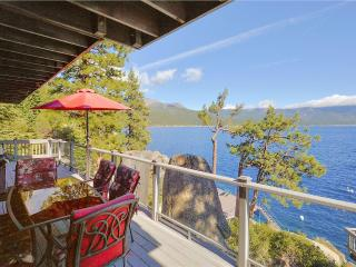 Boulder Shores Lakefront *Buoy/Dock/ Pet Friendly/ Pool Table* - Crystal Bay vacation rentals