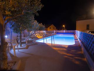Bol studio for 2 (1.2,pr2) - Bol vacation rentals