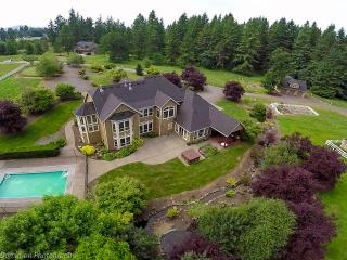 Exquisite French Country Home - Close in location - Brush Prairie vacation rentals