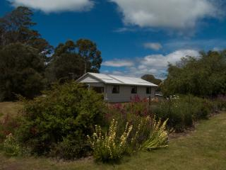 Engadine Cottage Mole Creek Deloraine Cradle Mt - Mole Creek vacation rentals