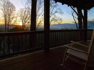 Black Bear Crossing - Delightful Rental with Amazing View, Wi-Fi, and Xbox 360 - 3 Minutes from the Great Smoky Mountains Railroad - Main Floor Wheelchair Accessible - Bryson City vacation rentals
