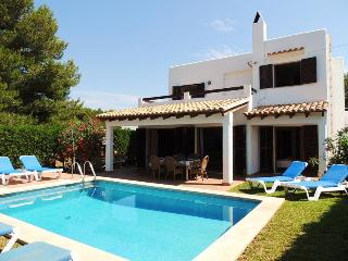 Lovely 4 bedroom Cala d'Or Villa with Internet Access - Cala d'Or vacation rentals