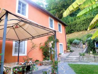 Cottage with pool, close Lucca, great views. WIFI! - Ponte a Moriano vacation rentals