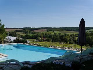 Les Hirondelles, Caubon-St-Sauveur - Levignac-de-Guyenne vacation rentals