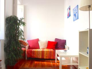 Gold Mustard Apartment, Lisbon - Lisbon vacation rentals