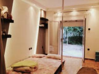 Cozy Studio with Internet Access and House Swap Allowed - Athens vacation rentals