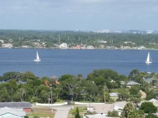 The BEACH is your back yard,17th fl paranomic view - Daytona Beach vacation rentals