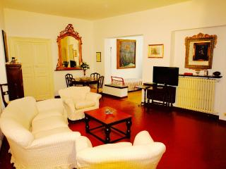 CAVOUR 3BR-in center near the beach by KlabHouse - Santa Margherita Ligure vacation rentals