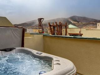 2BR/2BA Newpark Terrace Condo, Private Hot Tub, Glorious Views, Sleeps 7 - Park City vacation rentals
