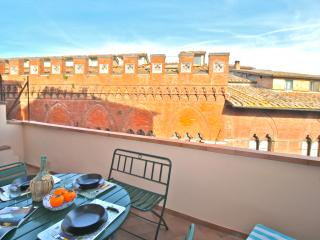 Romantic Flat in the heart of Siena - Siena vacation rentals